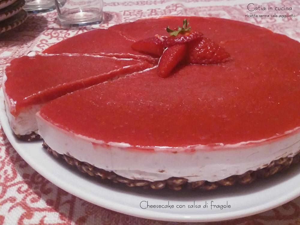 cheesecake con salsa di fragole