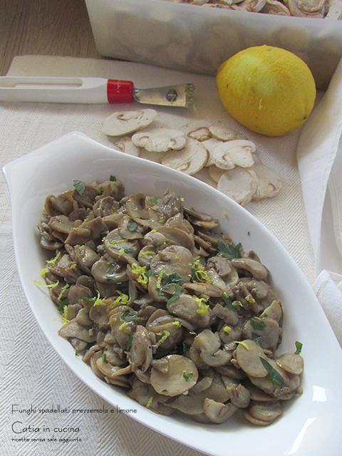 funghi spadellati prezzemolo e limone