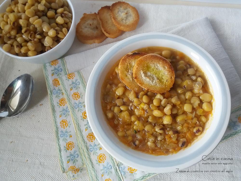 zuppa di cicerchie con crostini all'aglio