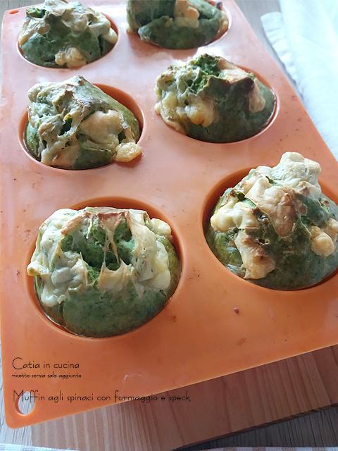 muffin agli spinaci appena sfornati