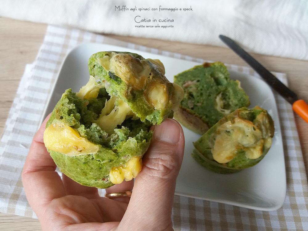 muffin agli spinaci con formaggio filante