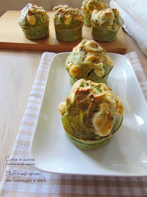 muffin agli spinaci con formaggio e speck