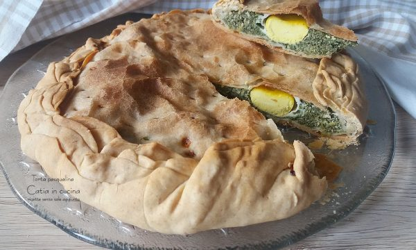 Torta pasqualina con spinaci e uova