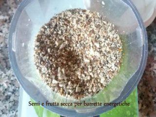 frutta secca e semi oleosi tritati