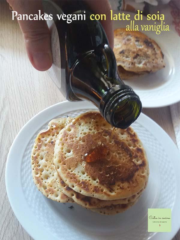 pancakes vegani con latte di soia e sciroppo d'acero