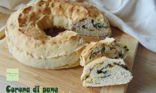 Corona di pane ripiena, con spinaci e formaggio