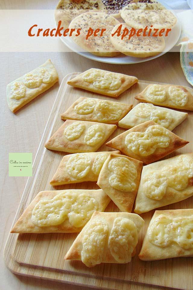 crackers per appetizer al formaggio