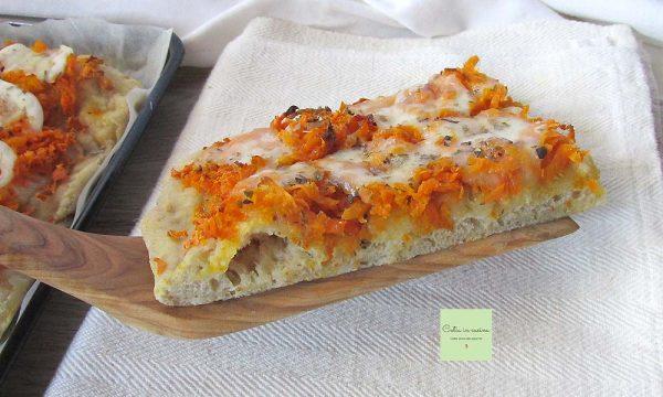 Pizza con le carote al posto del pomodoro