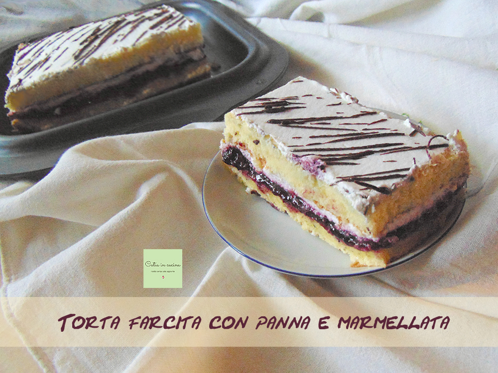 torta farcita con panna e marmellata