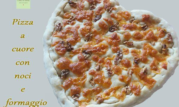 Pizza a cuore con noci e formaggio