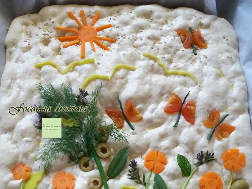 focaccia decorata - dettaglio sole