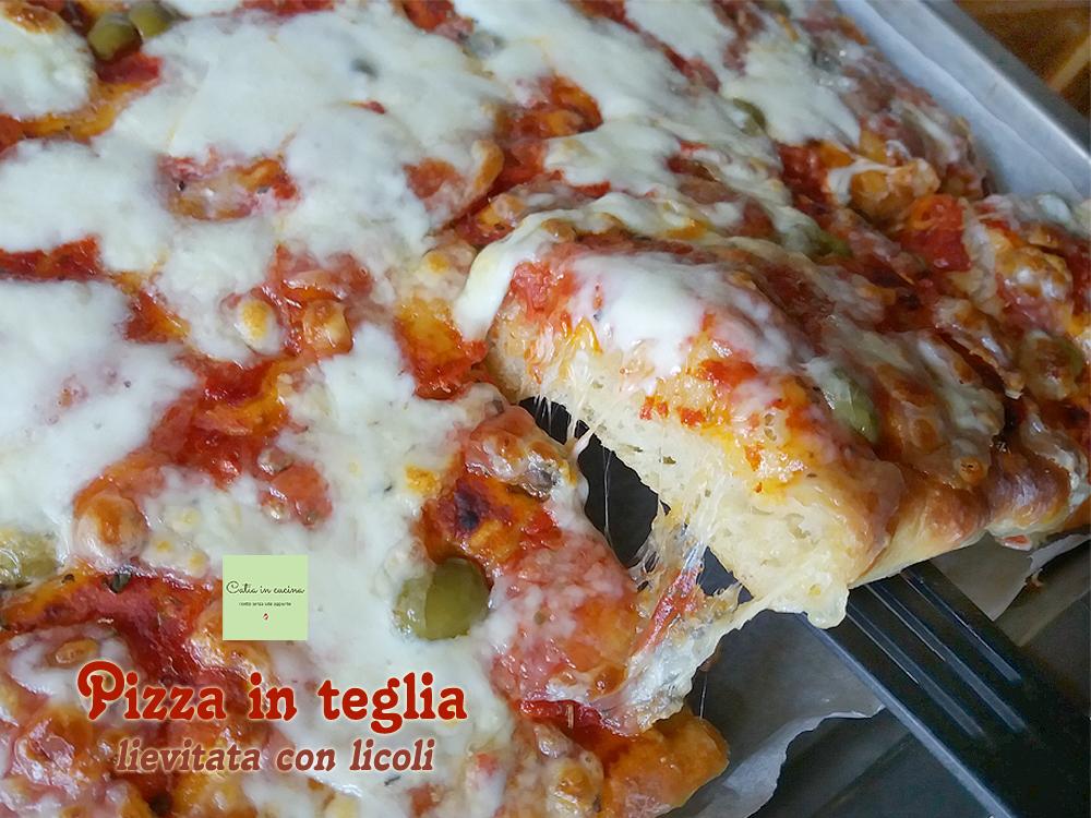 pizza in teglia alta e soffice, taglio