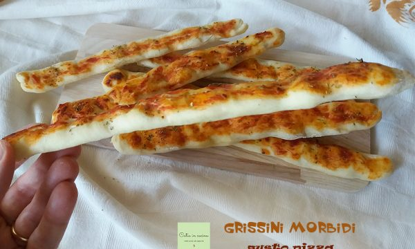 Grissini morbidi gusto pizza con esubero di licoli