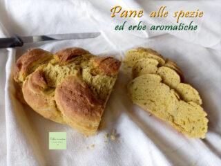 treccia di pane speziata fette