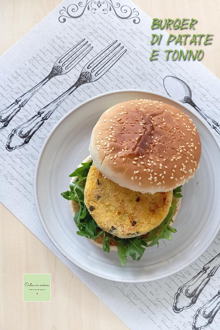 burger di patate e tonno nel panino