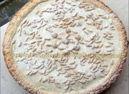 Torta della nonna (crema e pinoli)