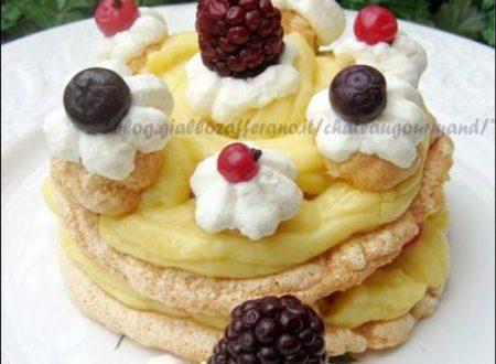 Mini pavlove con crema pasticcera al Marsala e frutti di bosco