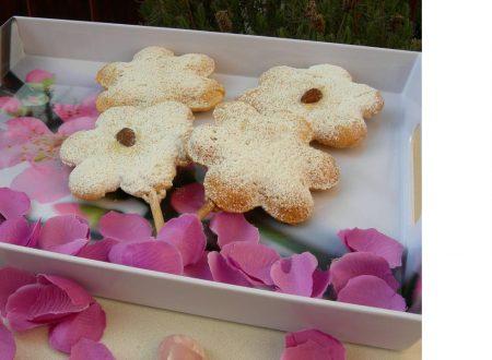 Ricetta regalata dall'Amica Daniela Sippi dal suo blog Mani in pasta quanto basta: mandorle in fiore