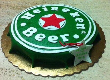 Torta compleanno tappo Heineken di Giusy Buccolieri