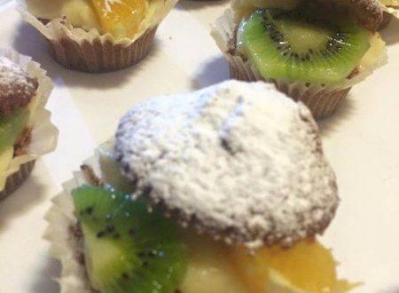 Muffin farciti con la crema pasticcera e frutta fresca di Rosaria Girardi