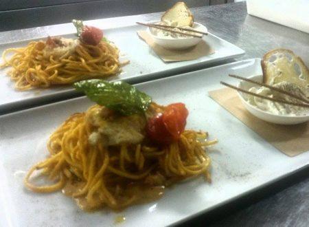 Troccoli all'uovo croccante, con pomodorino infornato al peperoncino e stracciatella di Andria