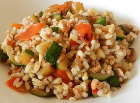Insalata tiepida ai Cinque Cereali vegetariana