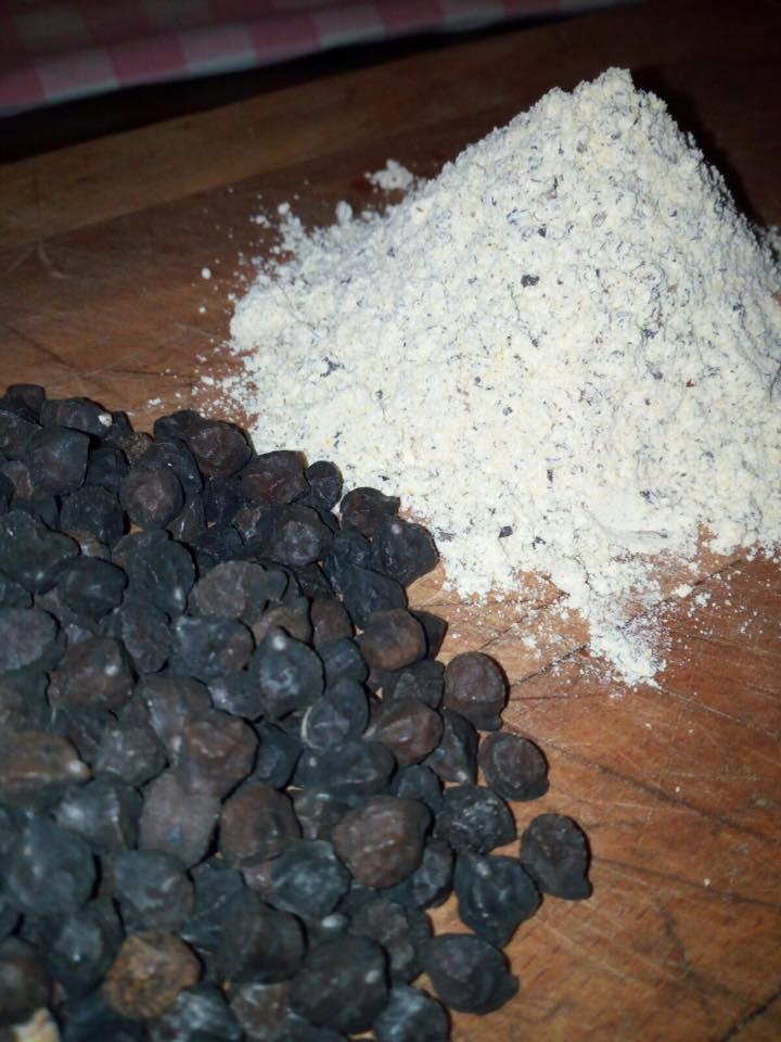 Farina prodotta dai ceci neri