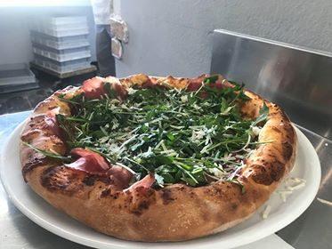A Cogliate, alla Bottega una pizza d'asporto d'eccellenza…