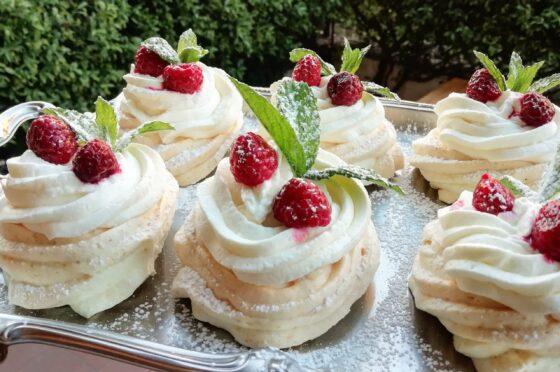 PAVLOVA CAKE KETO