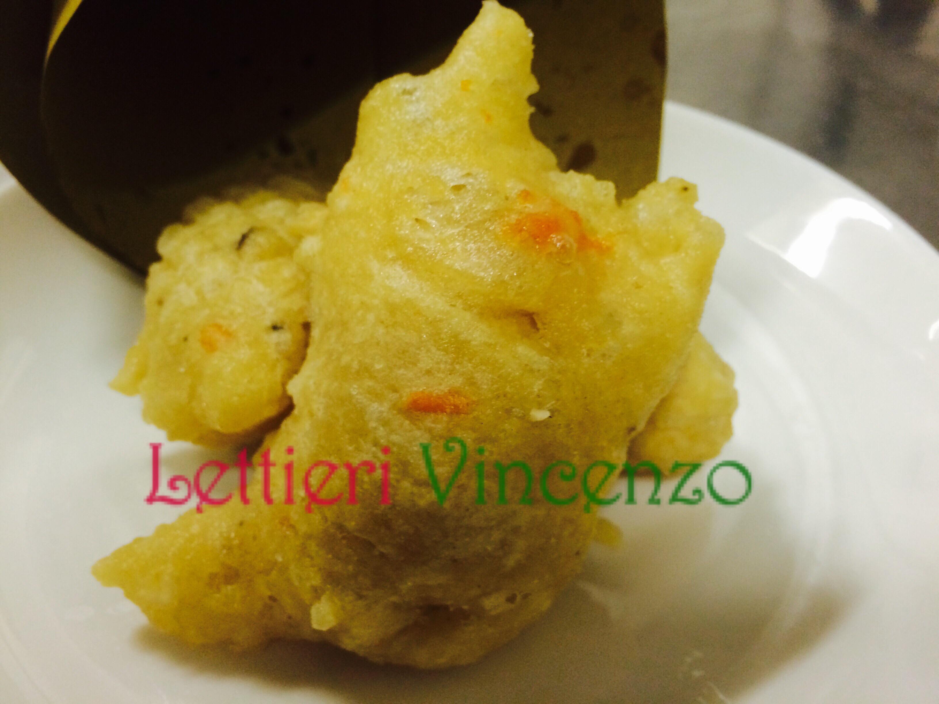 Le Zeppole di pasta cresciuta Napoletane con le cozze