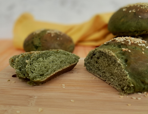 Pane all'alga spirulina