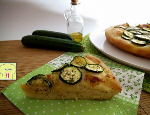 Pizza alle zucchine, ricetta semplice e deliziosa