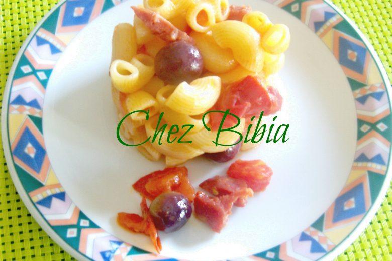 Gomiti rigati salame e olive dolci