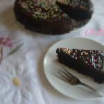 torta alla coca cola glassata al cioccolato fondente