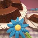 Ciambellone al cioccolato glassato al fondente