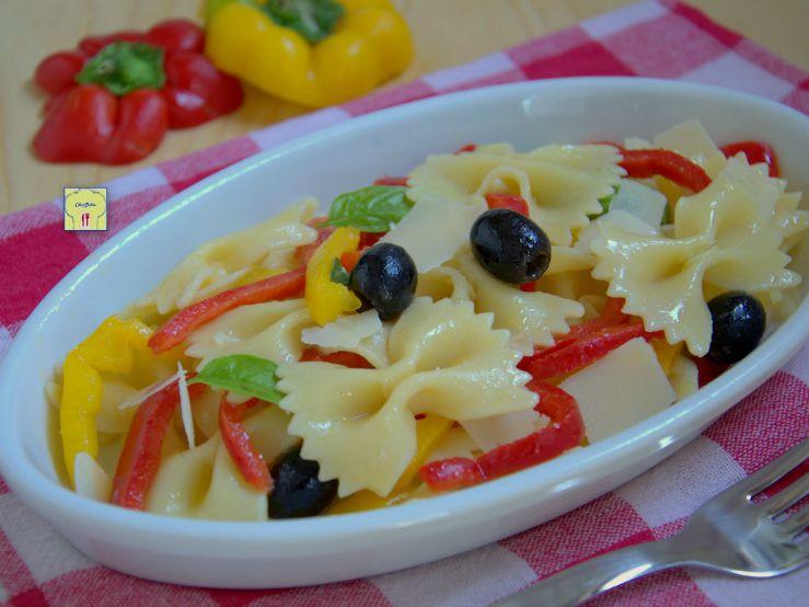 Pasta fredda peperoni e olive