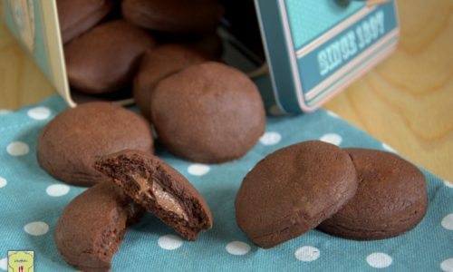 Biscotti al cacao con nutella