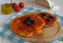 Pizzette al pomodoro con lievito madre