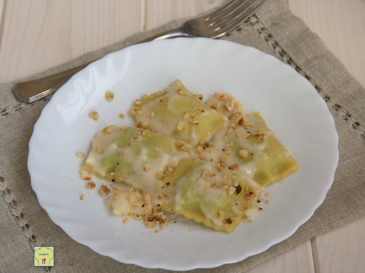 tortelli di bietole con crema al parmigiano