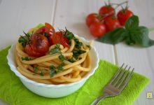 Bucatini con pomodorini al forno