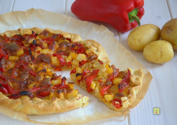 Torta salata patate e peperoni
