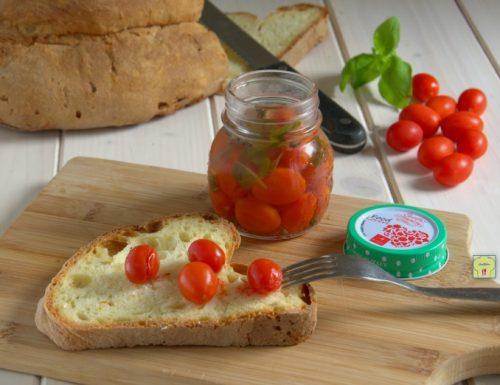Conserva di pomodorini datterino