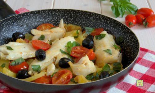 Merluzzo con patate e pomodorini