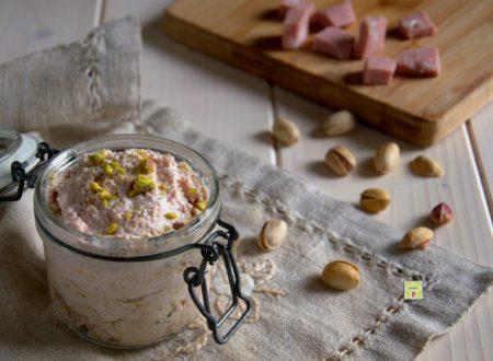 Mousse di mortadella e pistacchi