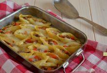 Conchiglioni al forno con carne e peperoni
