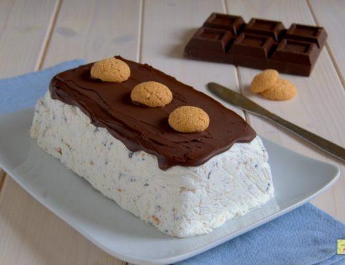Semifreddo panna cioccolato e amaretti