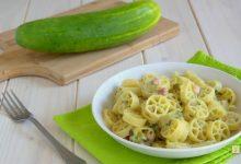 Pasta con crema di cetrioli e pancetta