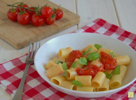 Pasta pomodorini e stracchino