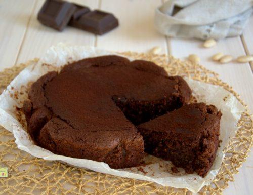 Torta fondente cioccolato e mandorle