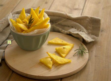 Chips di polenta al rosmarino
